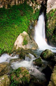 Paraiso natural en Quesada, Sierra de Cazorla. Cueva del agua