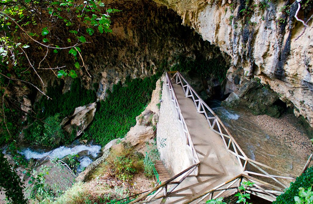 Cueva del agua, en Tiscar Quesada