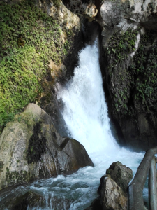 Cueva del agua, entorno natural de Tiscar, quesada, sierra de cazorla