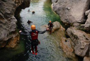 descenso de barrancos en cerrada del Utrero, vacaciones en sierra de cazorla