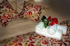 Roses Romantic Bundle Cazorla Rural House