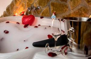 Whirlpool Tub Romantic Bundle Cazorla Rural House