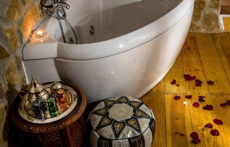 Whirlpool Tub Tea Corner Romantic Bundle Cazorla Rural House